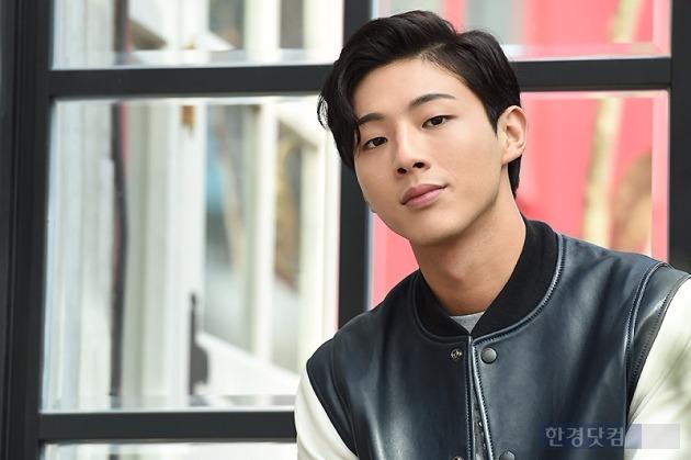 韓国俳優ジス