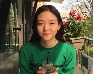 韓国女優イソム