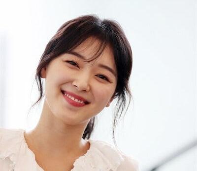 韓国女優チョウリ