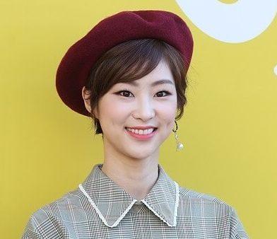 韓国女優チョンスジン