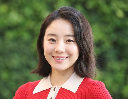 韓国女優イシオン