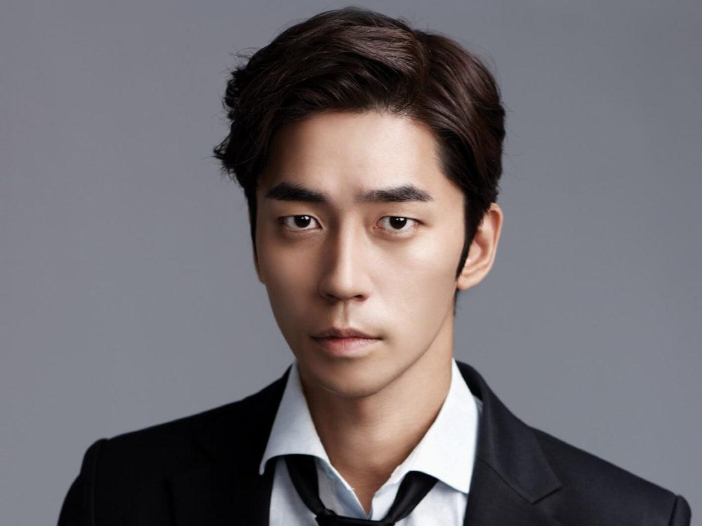 韓国俳優シンソンロク