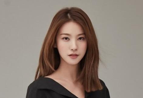 韓国女優ユイニョン