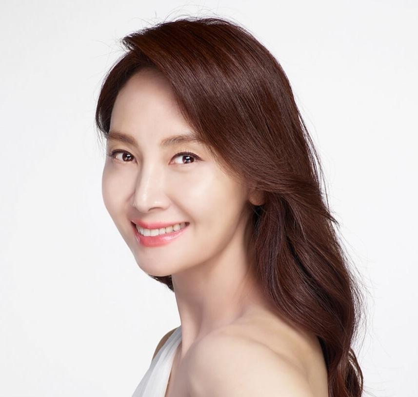 韓国女優チェシラ