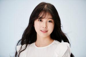韓国女優コスジョン