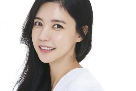 韓国女優オスンヒョン