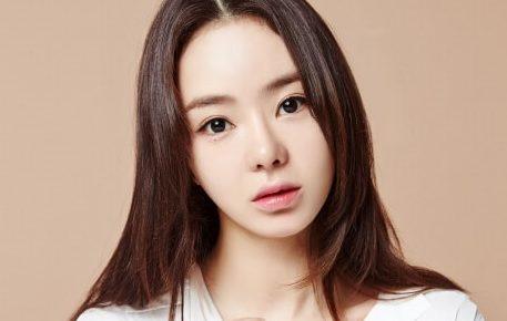 韓国女優ソウ