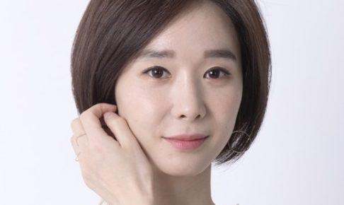 女優ハンスヨン