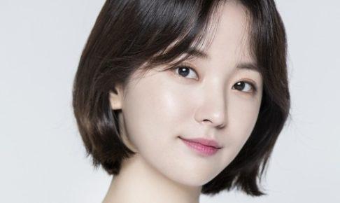 女優キムチェウン