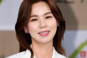 韓国女優パクシウン