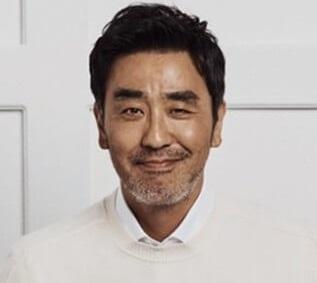 韓国俳優リュスンリョン