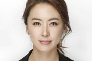 韓国女優ホンウニ