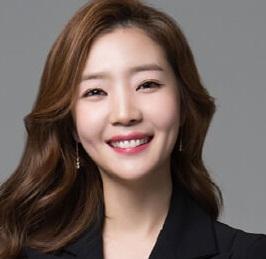 韓国女優シンダウン