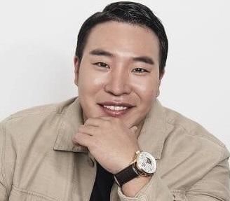 韓国俳優テウォンソク