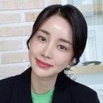 韓国女優ユンジニ