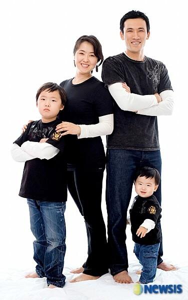 俳優ユオソンの家族写真