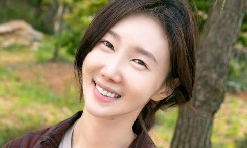 韓国女優女優オヨナ