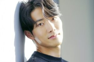 韓国俳優カンソジュン