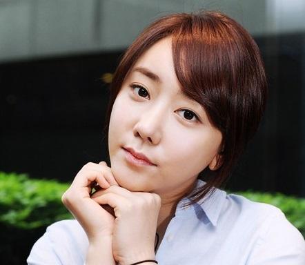 韓国女優パクスイン