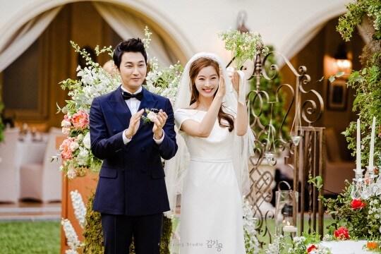 韓国女優ユンソイと夫の結婚式