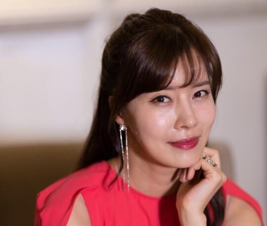 韓国女優ユソン