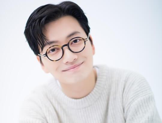 韓国俳優イドンフィ