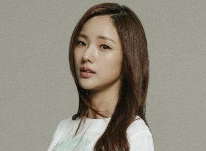 韓国女優パクアイン