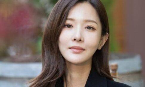 韓国女優キムユリ