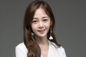 韓国女優キムボミ