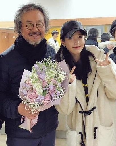 韓国俳優チョンドンファンとアイユー