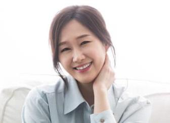 韓国女優ペヘソン