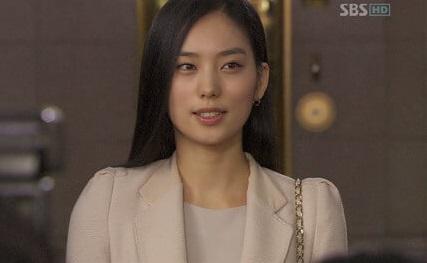 韓国女優ファンソニのデビュー作サイン