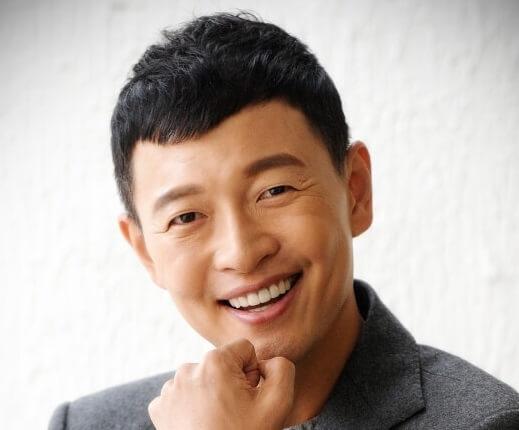 韓国俳優キムホジン