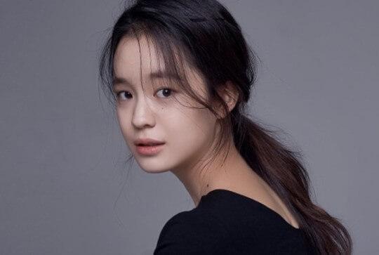 韓国女優パクヘウン