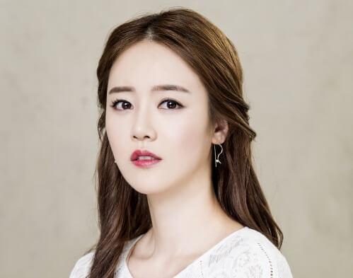 韓国女優シンゴウン
