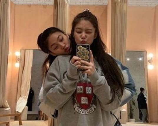 韓国女優でモデルのチョンホヨンの親友はジェニ
